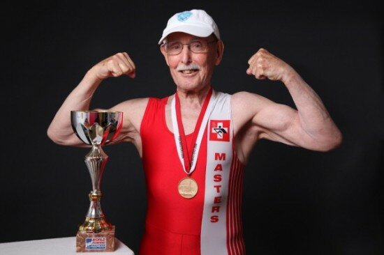 1-550x366 93-летний швейцарец занимается бодибилдингом и ищет новую работу